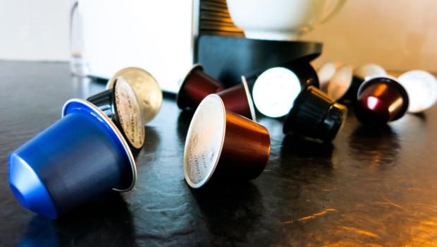 kaffeekapseln im test nespresso kapseln testsieger. Black Bedroom Furniture Sets. Home Design Ideas